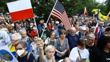 lengyel mediatorveny tuntetes 210810