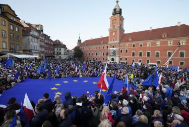 lengyelország tüntetések alkotmánybíróság európai unió