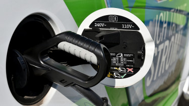 Lidl to install hundreds of charging points for e-cars in Hungary
