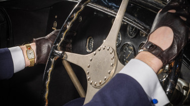 listaoldali_Mido Bugatti - Photographie au volant 2 - C Vintage Watch Story - (vws