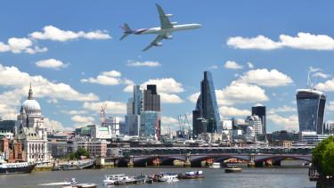 Londoni elemzők: az év második felében érkezhet meg a lassulás a régiónkba