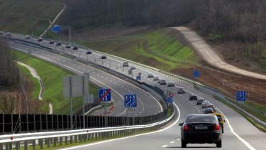 M6 autopalya kozbeszerzes unios palyazat tularazas