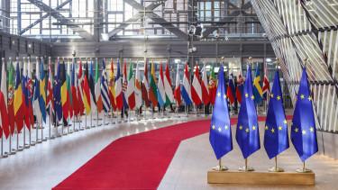 magyar felzrkozas az eu elleneben zaszlok europai tanacs