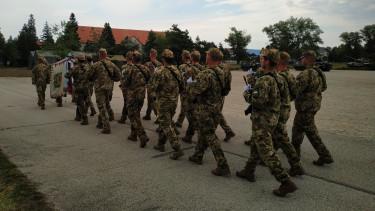 magyar honvédség katona hadsereg