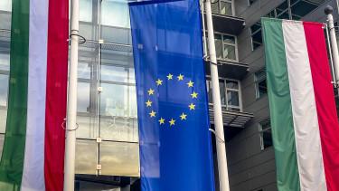 magyar zászló eu európai unió brüsszel vétó