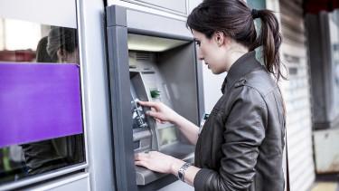 Már a hülyék is bankautomatákat fosztogatnak - Másfél millióért árulják a tuti módszert