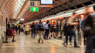 Már az arcoddal is fizethetsz: hamarosan így utazhatunk a buszokon, metrókon
