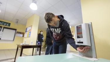 maszk iskola