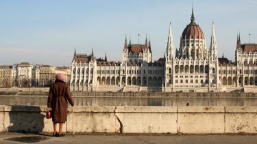Megérkezett az adat, aminek biztosan nem örülnek a magyar nyugdíjasok