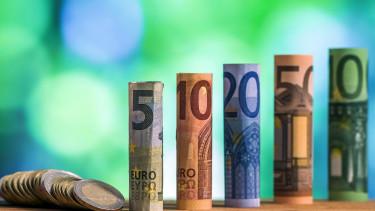 Megint 1,23 fölé erősödött az euró