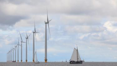 Mérföldkövet ért el a szélenergia - Még nagyobbra nőnek a turbinák