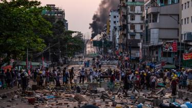 mianmar burma puccs tiltakozas