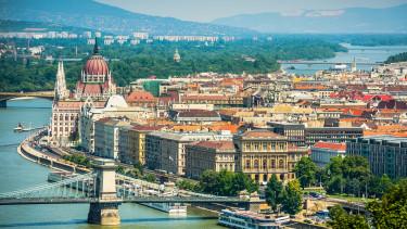 Milliárdokkal döngetnek az ingatlanbefektetők Budapest kapuján, de nincs mit eladnunk