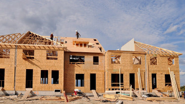 Most rohanj lakás-takarékpénztári szerződést kötni!