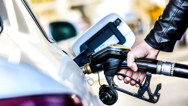 Motor fuels become cheaper in Hungary as of today