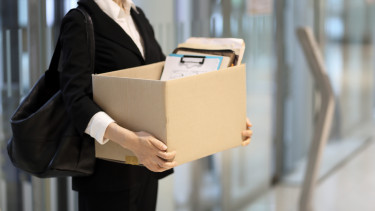munkahelyet vesztett nő leépítés munkanélküliség