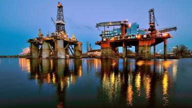 Nagyot esett az olajár