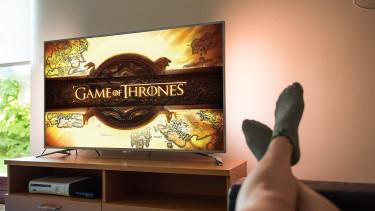 Naponta átlagosan 3 órát tévéznek az emberek a világon