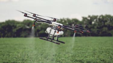 Nem gondolnád, mire nem jók a drónok - A légszennyezettség ellen vetik be őket Bangkokban