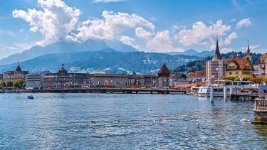 Nem lesz többé adóparadicsom Svájc