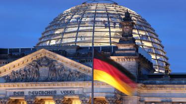németország német reichstag bundestag parlament német zászló berlin