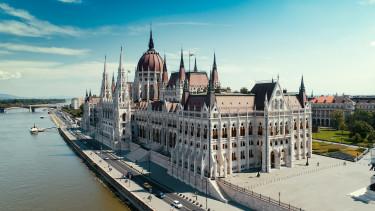 Nyugdíjak: van, amiben Magyarország mindenki mást lepipál
