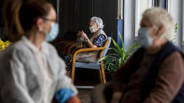nyugdíjas idősotthon