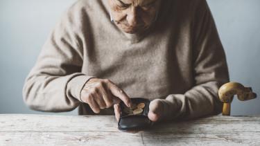 nyugdíjas szegény nyugdíjas