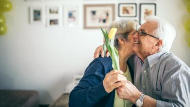 nyugdíjasnő