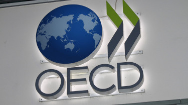 OECD recommends Hungary basic state pension, anti-corruption agency