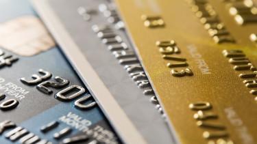 Olcsóbb lesz a bankkártyás fizetés Magyarországon is