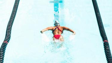 olimpia úszás verseny érem