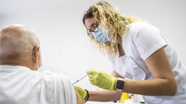 oltás vakcina védettségi igazolvány