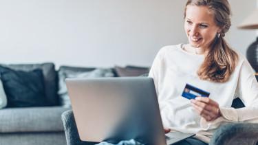online vásárlás vidám néni bankkártya