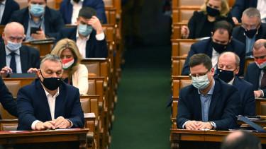 orbán viktor gulyás gergely kormány parlament szavaz