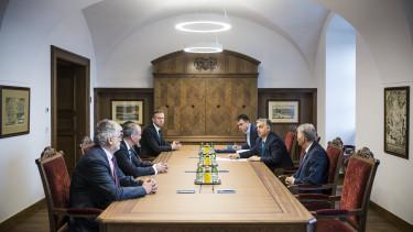 Orbán Viktor kinevezte a hírközlési tanács elnökét és tagjait