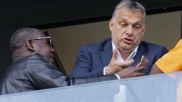 Orban Viktor mobiltelefon cimlap koronavirus valsag