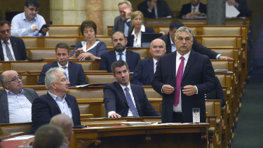 orbán viktor parlament fidesz