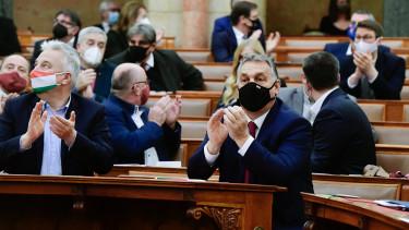 orbán viktor parlament maszk