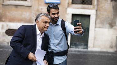 Orbán Viktor szelfi Róma