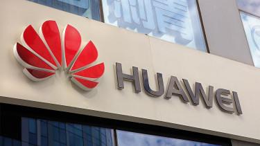 Orosz arcfelismerővel támad a Huawei
