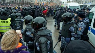 orosz rendőrség tüntetés