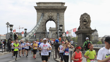 Örülhetnek a budapesti autósok? Kevesebb futóverseny lesz