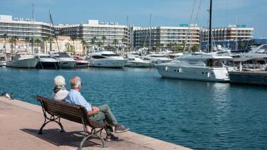 Pár ezer forintból milliós nyugdíj: megvan, mikor kezdj el gyűjteni hozzá
