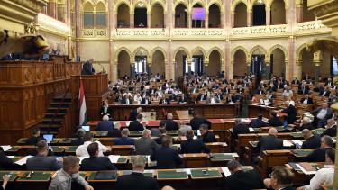parlament költségvetés
