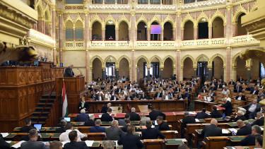 parlament országgyűlés adócsomag