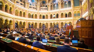 parlament szavaz