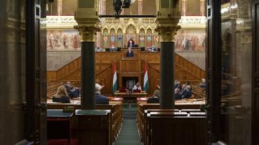 parlament uniós helyreállítási alap szavazás