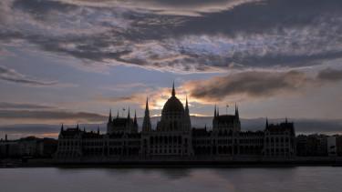 parlamentalkonyat