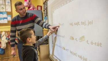 pedagógus iskola tanítás